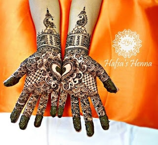 Easy-heart-shaped-mehndi-designs-images-for-hands-4