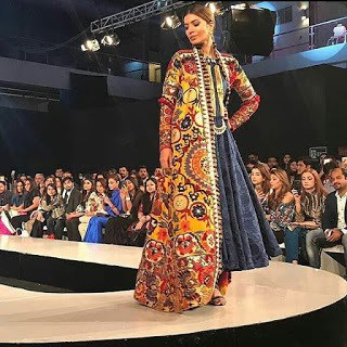 Khadi-khas-collection-at-pfdc-sunsilk-fashion-week-2017-14