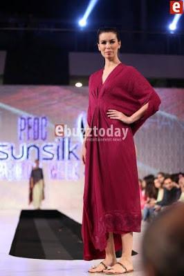 Misha-lakhani-caravan-collection-at-pfdc-sunsilk-fashion-week-2017-9