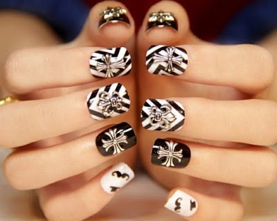Classic And Simple White Nail Designs Style With New Trends