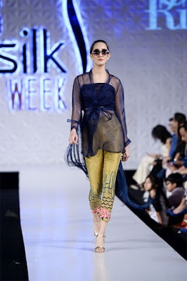 Saira-rizwan-collection-2017-at-pfdc-sunsilk-fashion-week-5
