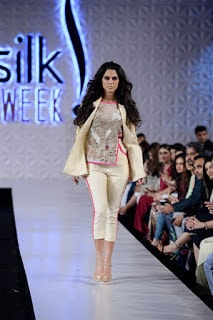 Saira-shakira-jie-collection-2017-at-sunsilk-fashion-week-11