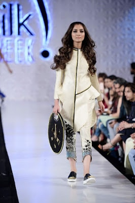 Saira-shakira-jie-collection-2017-at-sunsilk-fashion-week-9