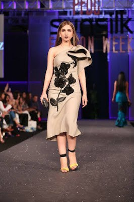 Sana-safinaz-collection-2017-at-sunsilk-fashion-week-6