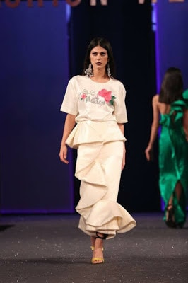 Sana-safinaz-collection-2017-at-sunsilk-fashion-week-9