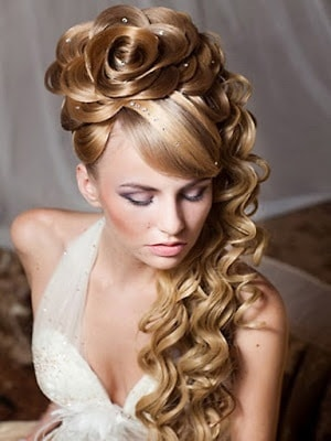 Simple-and-stylish-hairstyles-for-bridesmaids-for-long-hair-11