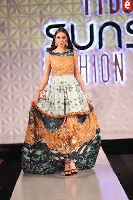 So-kamal-collection-2017-at-pfdc-sunsilk-fashion-week-7