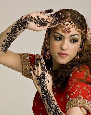 Stylish-indian-bridal-hairstyles-that-looks-perfect-for-wedding-2
