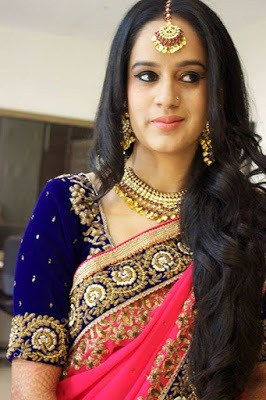Stylish-indian-bridal-hairstyles-that-looks-perfect-for-wedding-6