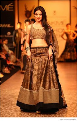 Top-blouse-designs-pattern-for-lehenga-choli-for-woman-7
