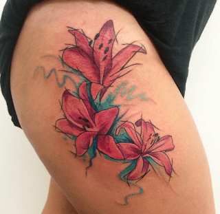 Eye-catching-Pink-lily-With-Stripes-Tattoo
