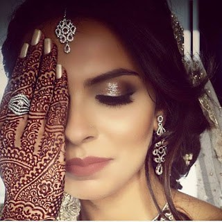 New-style-arabic-eid-mehndi-designs-2017-for-upcoming-eid-1