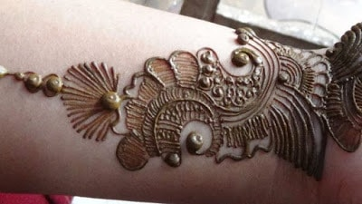 New-style-arabic-eid-mehndi-designs-2017-for-upcoming-eid-3