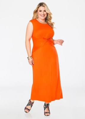 Tips-on-how-to-style-jumpsuits-for-plus-size-women-5