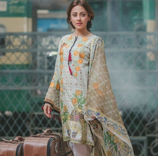 Rang-rasiya-carnation-luxury-summer-lawn-2017-collection-10