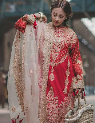 Rang-rasiya-carnation-luxury-summer-lawn-2017-collection-8