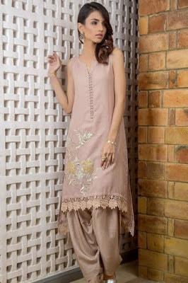 Tena-durrani-luxury-pret-2017-traditional-collection-9