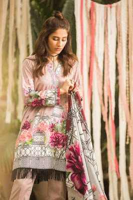Cross-stitchs-magical-embroidered-cambric-collection-2017-9