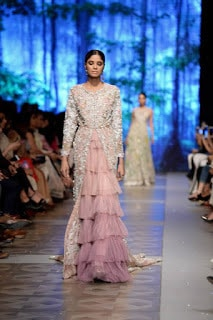 Sana-safinaz-new-style-the-last-of-the-night-plbw17-collection-8