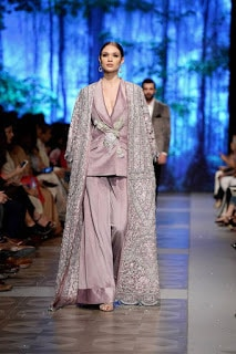 Sana-safinaz-new-style-the-last-of-the-night-plbw17-collection-9