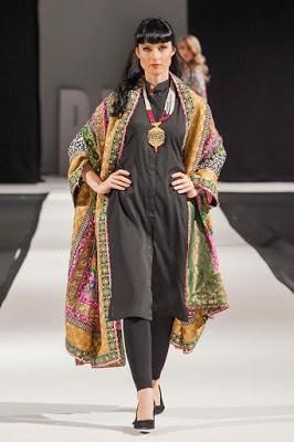 Komal-Nasir-Embroidered-Shawls-2018