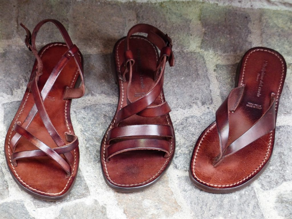 Minimalist sandles